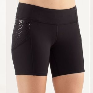 Lululemon Dart and Dash Short Size 2 Black
